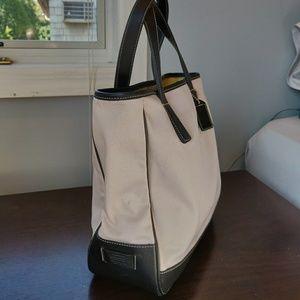 Coach Hamptons Small Tote Handbag # JOK-7706